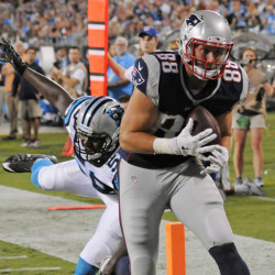 The Patriots' new tight end Scott Chandler catches a touchdown pass from Tom Brady to cap an 80-yard scoring drive.