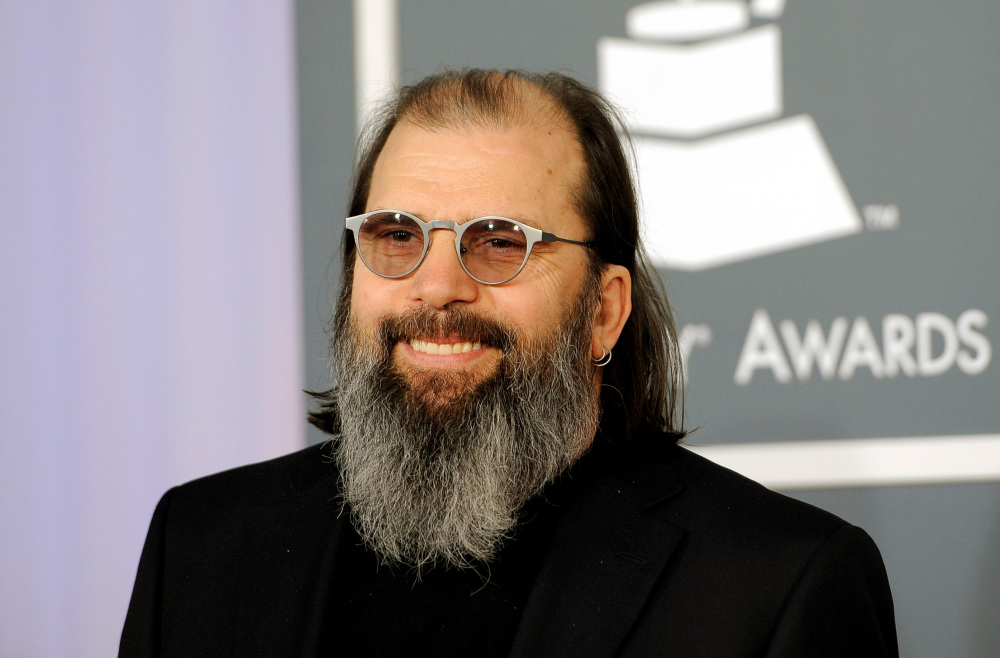 "Steve Earle wrote his new song, ""Mississippi It's Time,"" to urge the state to remove the Confederate battle emblem from its state flag."