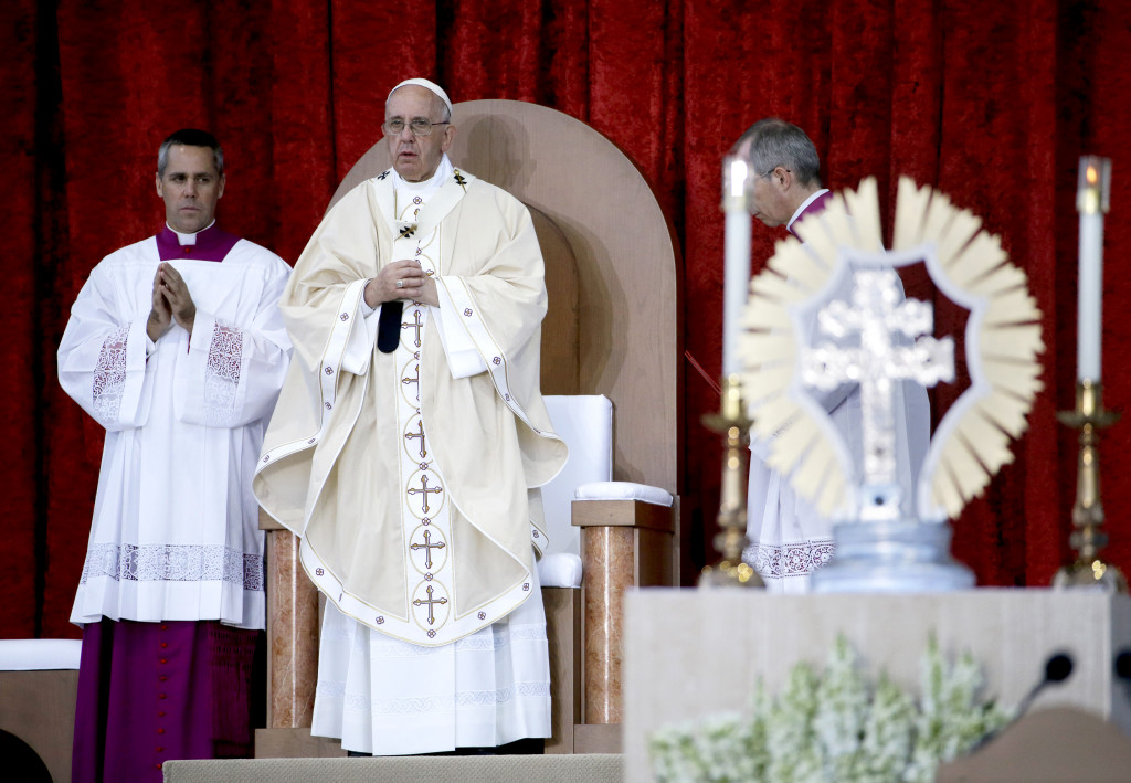 Pope Francis conducts Mass outside the Basilica of the National Shrine of the Immaculate Conception in Washington.