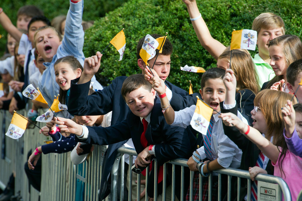 Cheers Anticipation As Pope Francis Arrives For U S