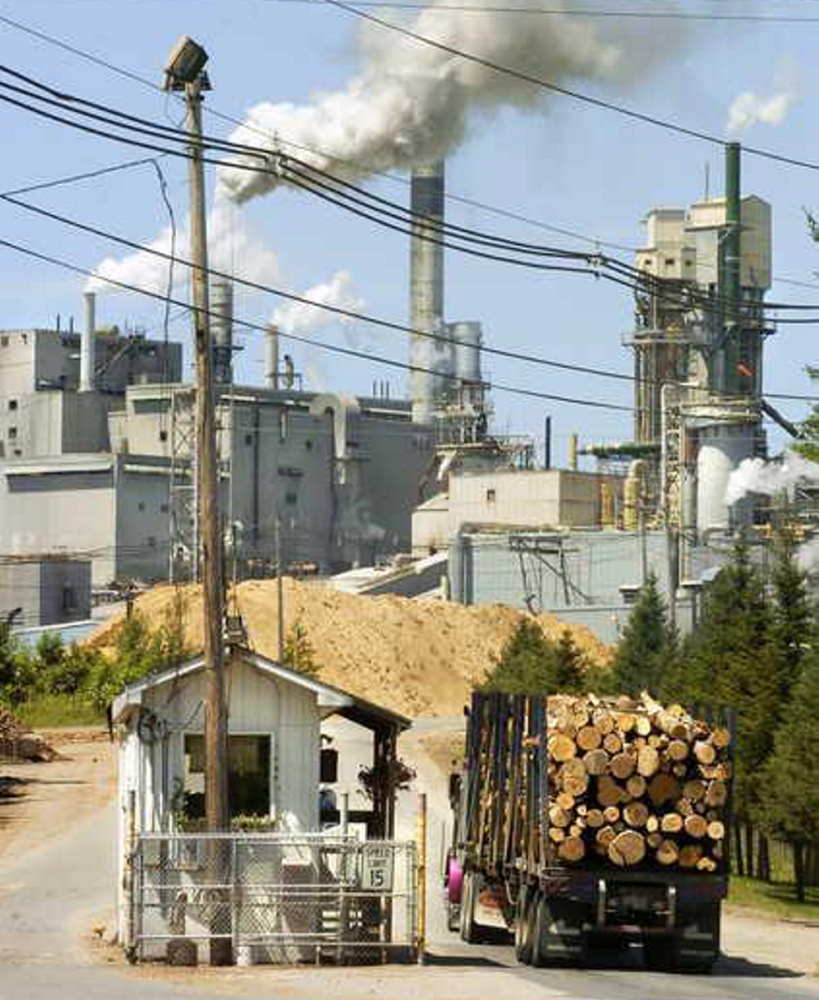 The state will hold assistance sessions for workers at the Androscoggin Mill in Jay as they await layoffs.