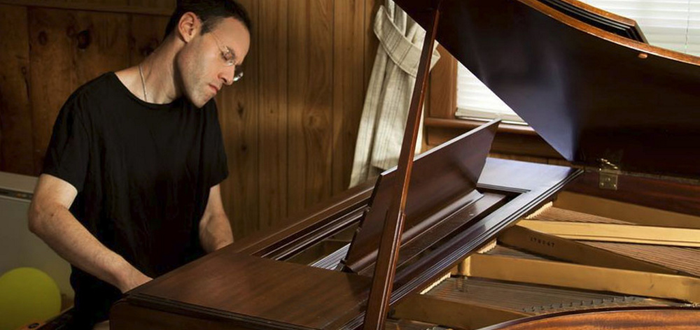 Pianist Jesse Feinberg will perform a benefit concert at 3 p.m. Saturday at the Unitarian Universalist Church of Brunswick.