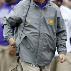 LSU Coach Les Miles is under fire after a string of three straight losses dropped the once undefeated Tigers (7-3) out of the Top 25.