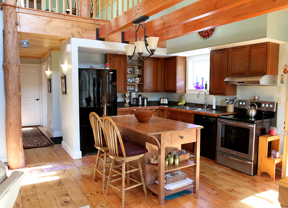 The Cedar Sided Year Round Home In Shapleigh Was Built 2012