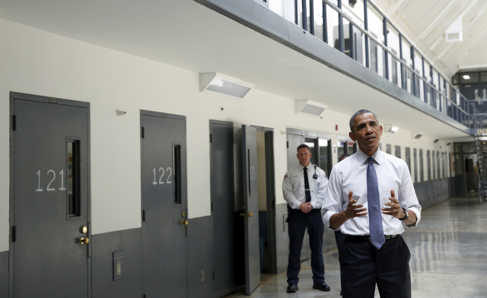 U.S. President Barack Obama speaks during his visit to the El Reno Federal Correctional Institution outside Oklahoma City July 16, 2015.  Obama is the first sitting president to visit a federal prison.      REUTERS/Kevin Lamarque  - RTX1KKRY