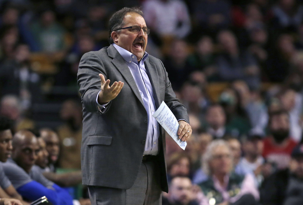 Detroit Pistons head coach Stan Van Gundy calls to his players during the first quarter.
