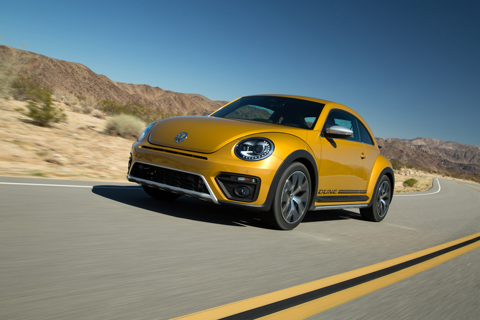 The 2016 Volkswagen Beetle Dune, beefed-up and off-road inspired, is athletic and agile -- especially for urban duties. (James Halfacre/Volkswagen/TNS)