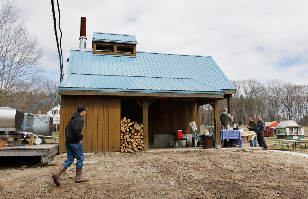 Maine Maple Sunday At Chase Farm And Douston Maple And Honey The Portland Press Herald Maine