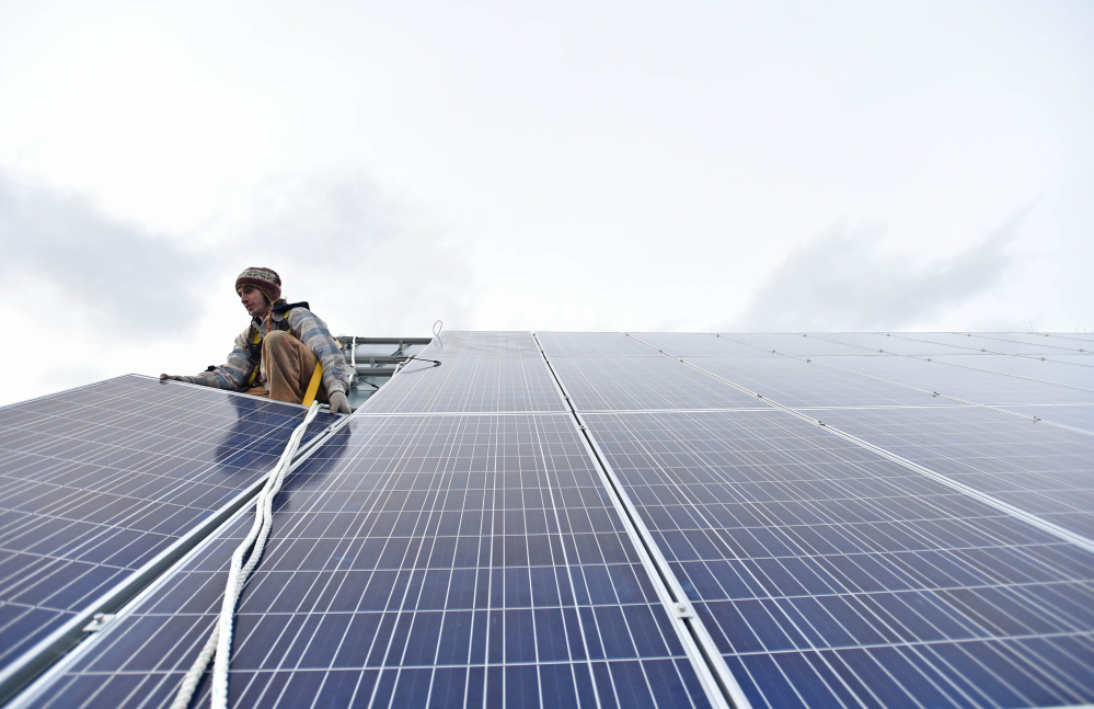 A proposal to expand the use of solar power in Maine would create jobs for 800 solar installers around the state.
