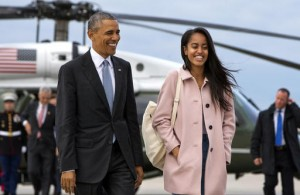 President Barack Obama's daughter, Malia, will take a year off after high school and attend Harvard University in 2017.