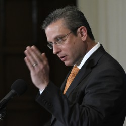 Puerto Rico Gov. Alejandro Javier Garcia Padilla said on Sunday that negotiators for the U.S. territory's government have failed to reach a last-minute deal to avoid a third default and that he has issued an executive order to withhold payment.