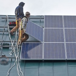 The Maine solar bill could have provided an alternative for other states that are also struggling to find the fairest way to compensate small generators for the renewable power they sell to the grid.