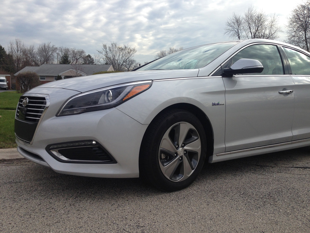 hyundai sonata limited joins a congested hybrid class. Black Bedroom Furniture Sets. Home Design Ideas