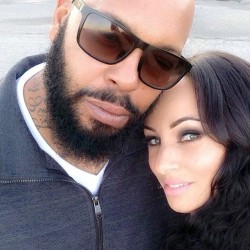 "Despite his reputation as the violent co-founder of Death Row Records, ""Suge"" Knight is a ""momma's boy,"" his fiancee, Toi-Lin Kelly, says."