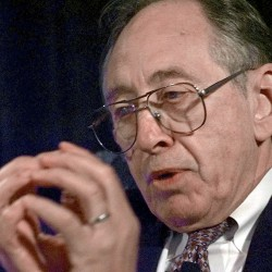 "Author Alvin Toffler, who is best known for his book ""Future Shock,"" gives a talk on the ""Fourth Wave"" at the Astrobiology Roadmap Workshop in Mountain View, Calif., in July 1998. Associated Press/Paul Sakuma"