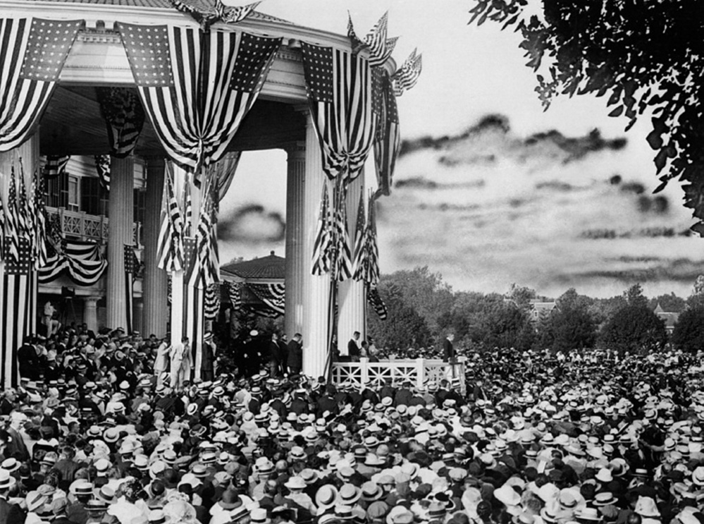 Woodrow Wilson accepts the Democratic nomination in 1916.