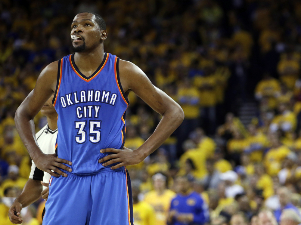 Kevin Durant, whose Oklahoma City Thunder fell short in May in the Western Conference finals against Golden State, has decided to join the Warriors.