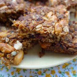 The dates add a lovely fudgy texture and the oats and peanuts give slow release energy which will keep your kids (and you) going for a few hours.