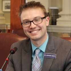 Maine Rep. Justin Chenette, who was denigrated in an email by the York County Republican Party chairman, has gotten an apology.