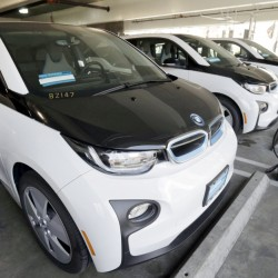 Without assurance of ample charging stations, sales of electric vehicles aren't likely to increase, and the White House hopes to change that.