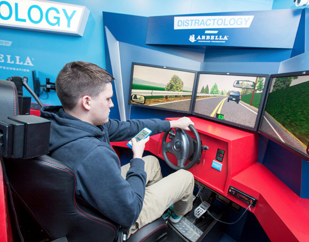 The Distractology program utilizes a computer simulator to teach drivers to remain focused on the road. It has been shown to cut accidents by 19 percent among participants.