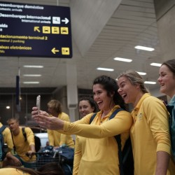 The Australian athletes were happy to take a few selfies after arriving in Rio de Janeiro, but not so happy when they discovered the problems that continue to plague the rooms at the Olympic village.