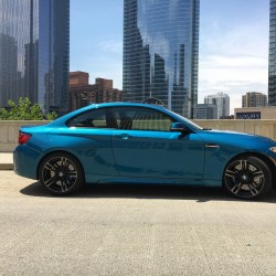 The 2016 BMW M2 in Long Beach Blue Metallic coat, north of the Franklin Street Bridge in Chicago, on May 31, 2016. A joy to drive, everything about it feels right. (Robert Duffer/Chicago Tribune/TNS)