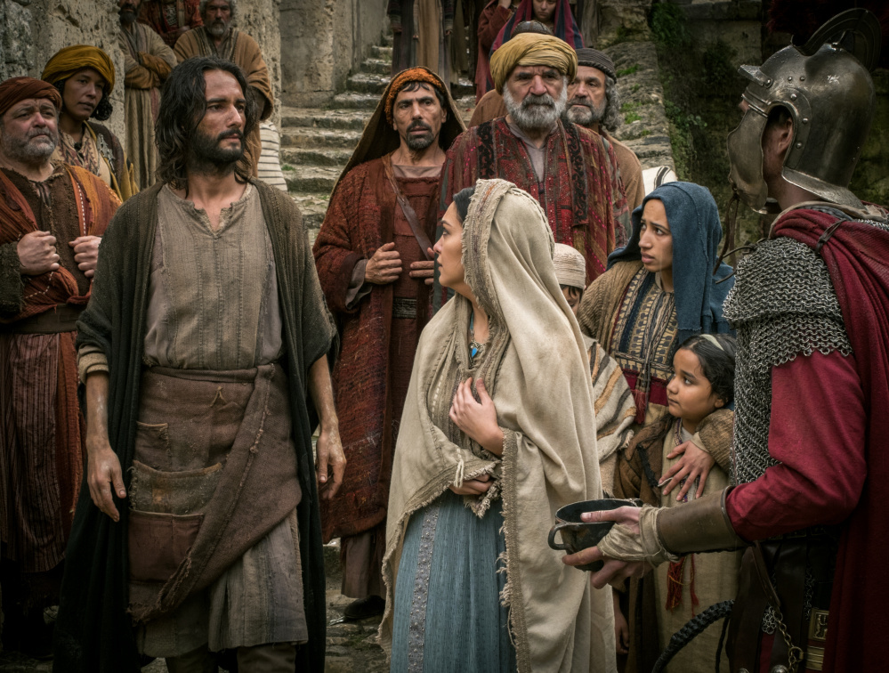 Rodrigo Santoro as Jesus, foreground left, and Nazanin Boniadi as Esther.