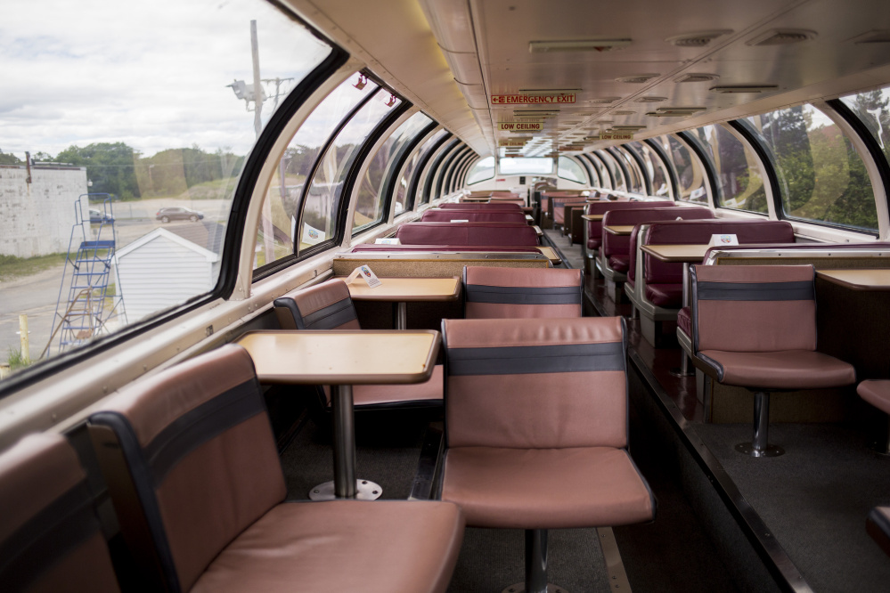 views from downeaster train 39 s dome car are top of the line portland press herald. Black Bedroom Furniture Sets. Home Design Ideas