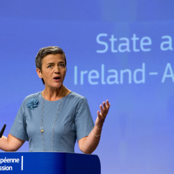 European Union Competition Commissioner Margrethe Vestager told a news conference Tuesday at the EU's headquarters in Brussels that selective tax treatment gave Apple Inc. an unfair advantage over other businesses.