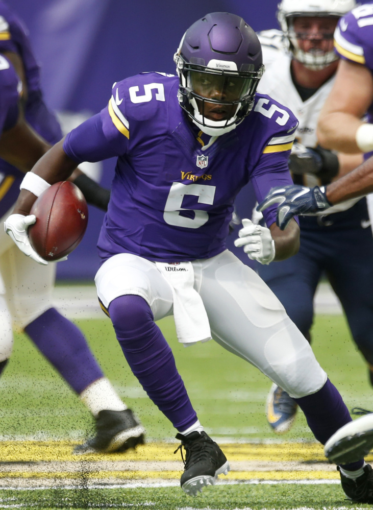 Vikings quarterback Teddy Bridgewater dislocated his left knee and completely tore his ACL in a freak injury at Tuesday's practice.
