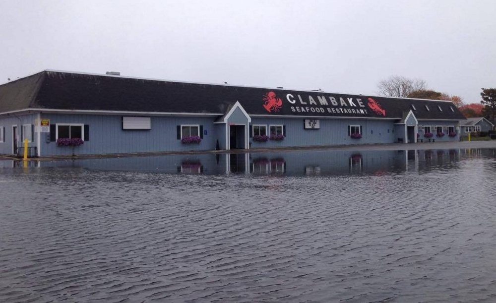Super high tide produces minor flooding in southern maine for Southern maine motors service
