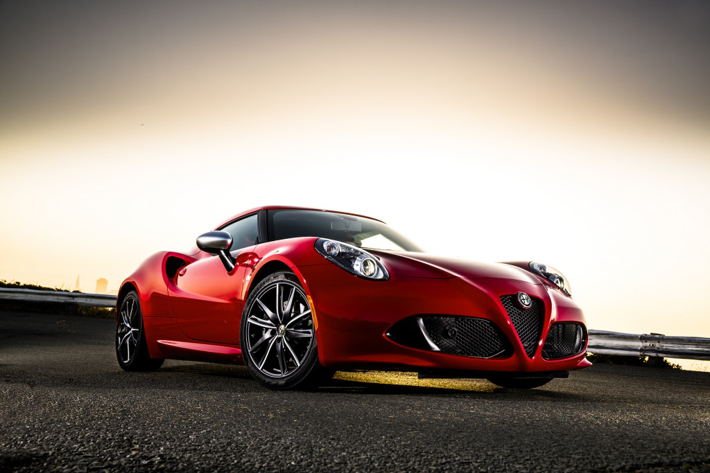 Available as a coupe or convertible: the Alfa Romeo 4C.