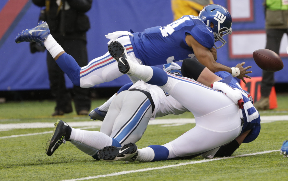 Giants running back Shane Vereen lost a fumble in a home win Sunday over the Lions, but the really bad news was that he reinjured his triceps and may miss the rest of the season.