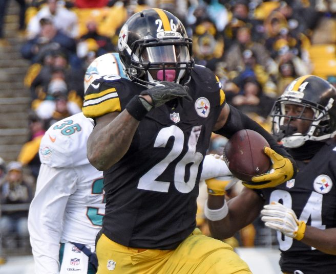 Le'Veon Bell is now the main runner for the Pittsburgh Steelers, which has helped him and the franchise.
