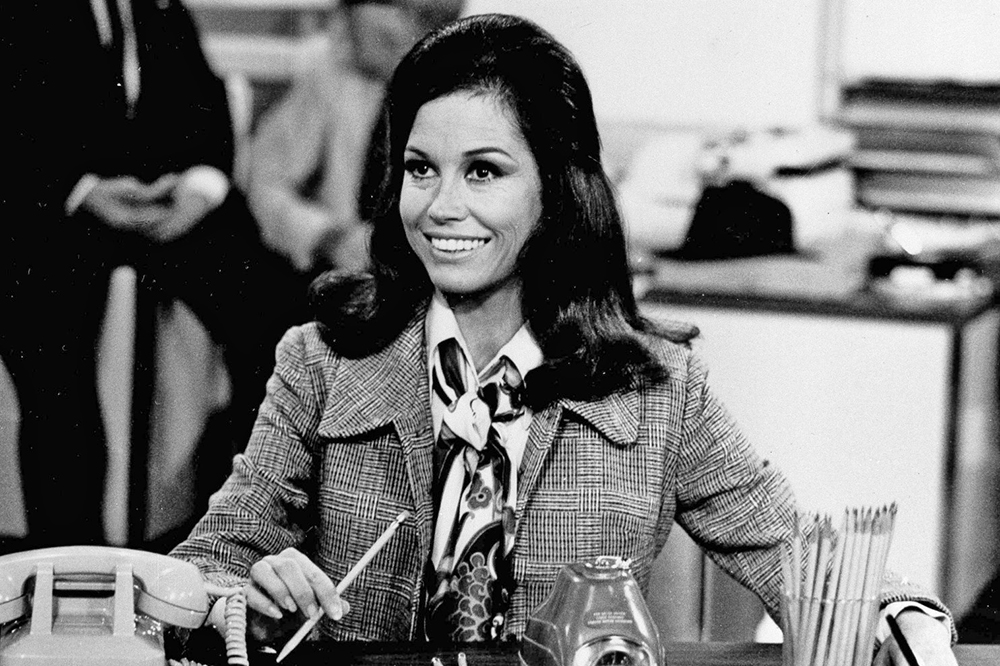"""Actress Mary Tyler Moore is shown as TV news producer Mary Richards in a scene from the """"The Mary Tyler Moore Show"""" in August 1970."""
