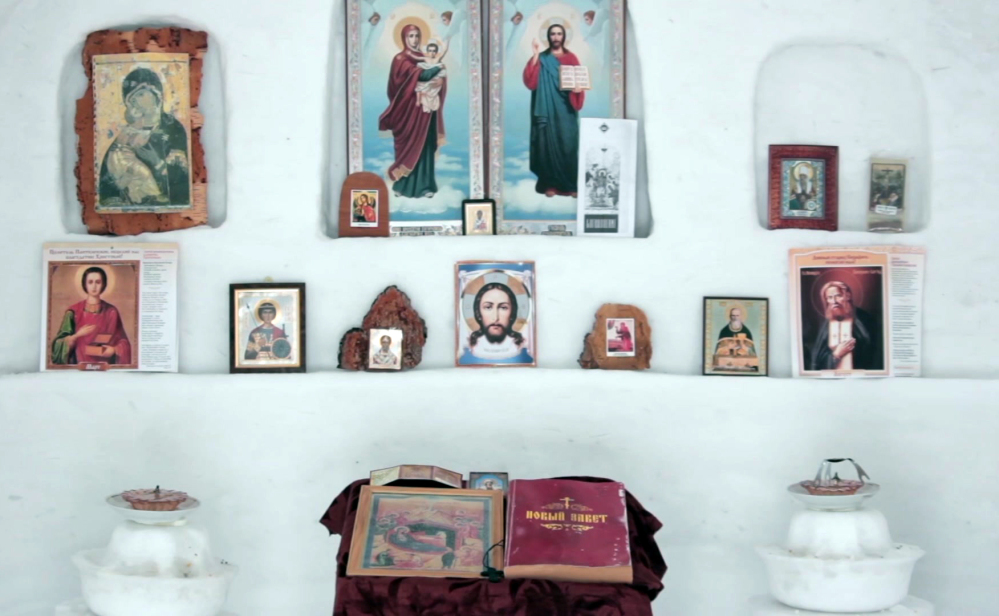 Alexander Batyokhtin said building the altar was one of the hardest parts of making this chapel from snow in Sosnovka, Russia.