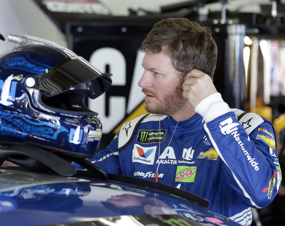 Dale Earnhardt Jr., a two-time Daytona 500 champion, will start from the front row Sunday after qualifying second behind Hendrick Motorsports teammate Chase Elliott.