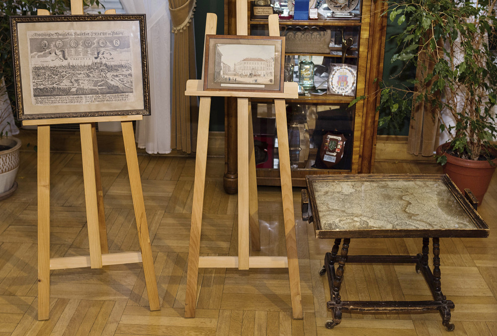 Photo taken in Krakow, Poland, shows an 18-century map of Poland built into a small table and two old drawings that were returned to Poland on Sunday by Austria's Horst von Waechter, whose family had looted them from Krakow during World War II. Waechter's father, Otto von Waechter, was a Nazi governor of the occupied city.
