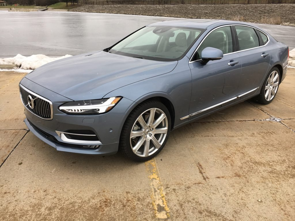 2017 Volvo S90 T6 Inscription is the Swedish automaker's luxury flagship sedan.