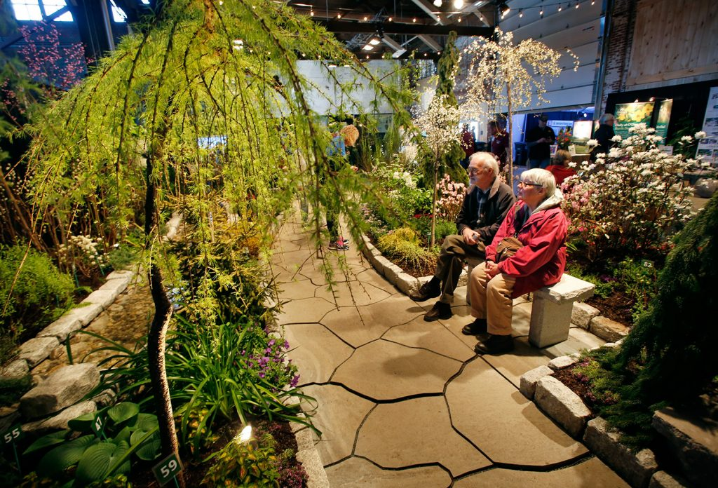 Snow what snow spring has a head start at the maine flower show photos portland press herald for Portland spring home and garden show 2017