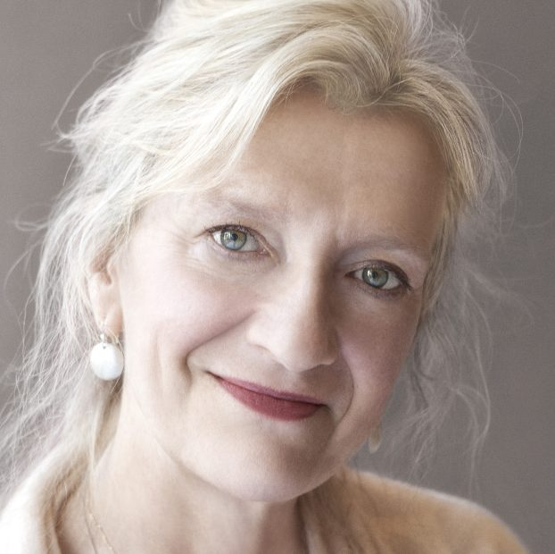 Judges on Elizabeth Strout's writing: 'The blade of her wit is so sharp, you barely feel it until after the slice. '
