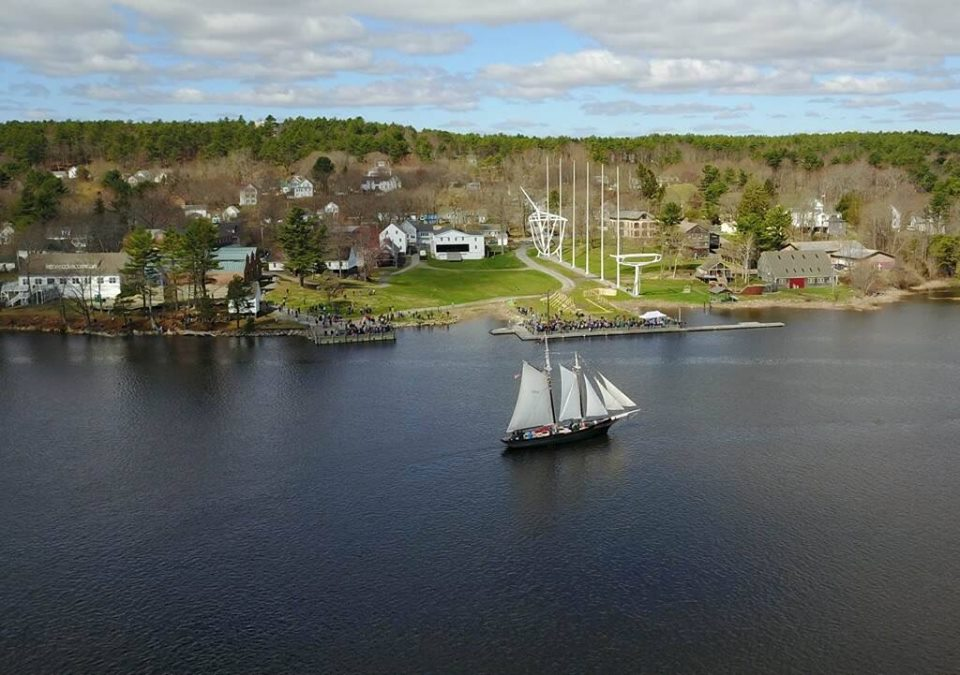The Mary E arrives at the Maine Maritime Museum in Bath on Sunday.