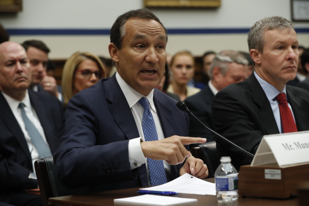 United Airlines CEO Oscar Munoz said he was at the hearing
