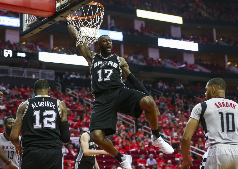 Jonathon Simmons stepped up for San Antonio on Thursday night, scoring 18 points while filling in for the injured Kawhi Leonard and helping the Spurs roll past the Rockets to win the series 4-2 and advance to play Golden State.