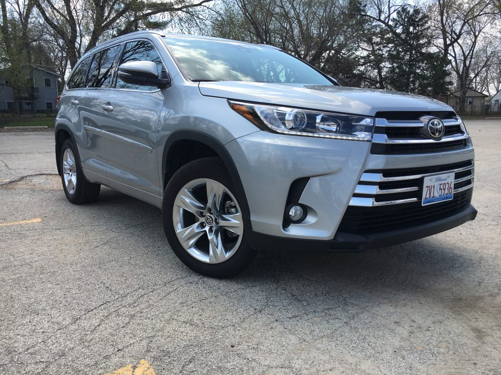 The 2017 Toyota Highlander in Limited trim gets a mid-cycle refresh featuring a broader, taller trapezoid grille and an updated 3.5-liter direct injection V6 engine boosting power and efficiency.