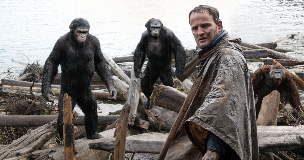 Malcolm (Jason Clarke) is followed by Caesar (Andy Serkis), Koba (Toby Kebbell) and Maurice (Karin Konoval) as he tries to make peace with the apes.