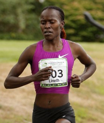 Lineth Chepkurui set the women's course record.