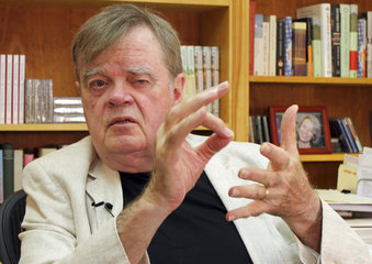 Journalists at MPR News published a lengthy article on Tuesday, based on interviews with more than 60 people who worked with Garrison Keillor in some capacity, that describes