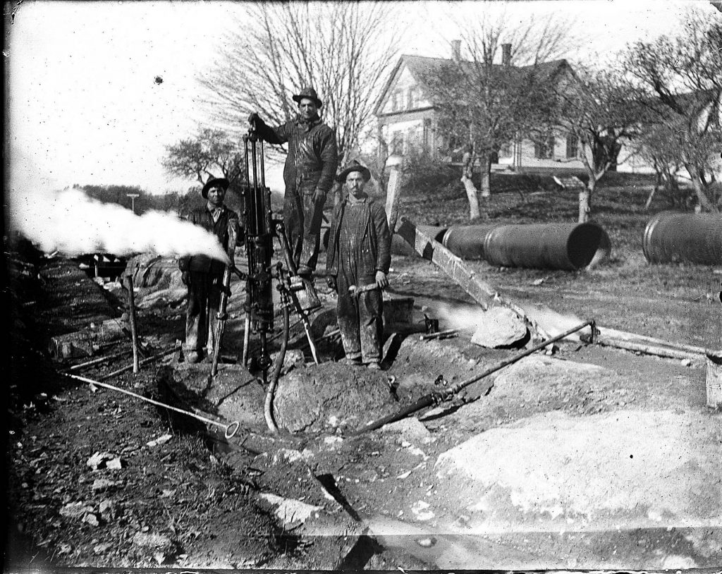Italian immigrants lay water pipes in the Deering section of Portland around 1900. A letter writer says Columbus Day is a celebration of all Italian-Americans, not just one.